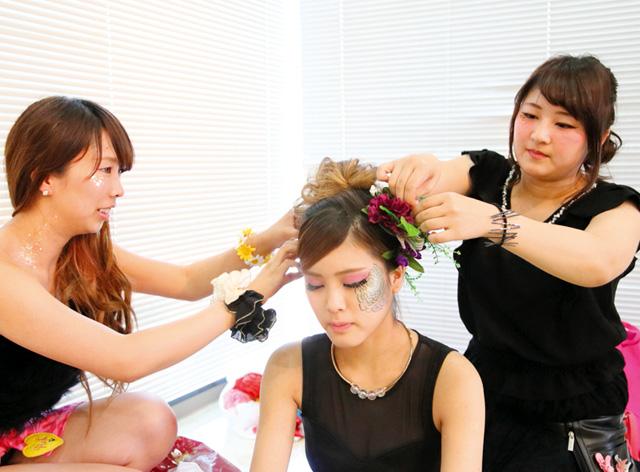 大阪の専門学校【ヴェールルージュ美容専門学校】でのカリキュラム